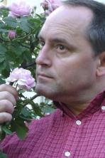 viper-roses1-portrait
